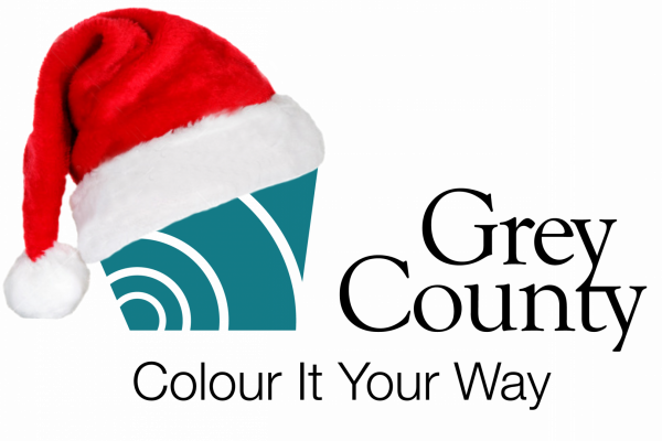 grey county logo with christmas hat